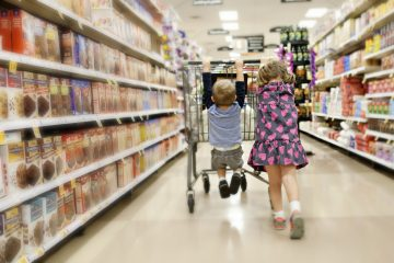 9 Things Most of Us Don't Do At The Grocery Store But Could Save us $100 or More